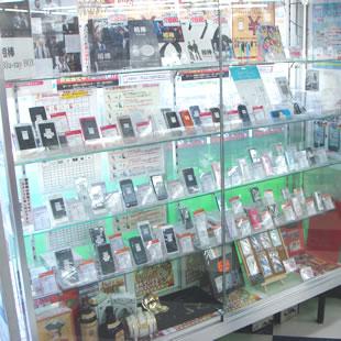 店内にはiPhone修理以外も品揃え☆のイメージ